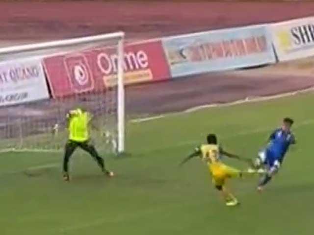 Video, kết quả bóng đá Quảng Nam – Khánh Hòa: Ngoại binh tưng bừng, sửng sốt 4 bàn (H1)
