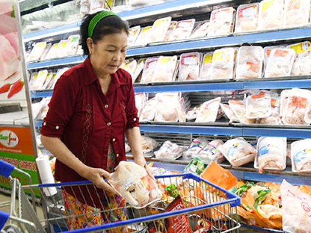 Giá gà giảm dưới 60.000 đ/kg: Sau lợn, nông dân lại điêu đứng vì gà