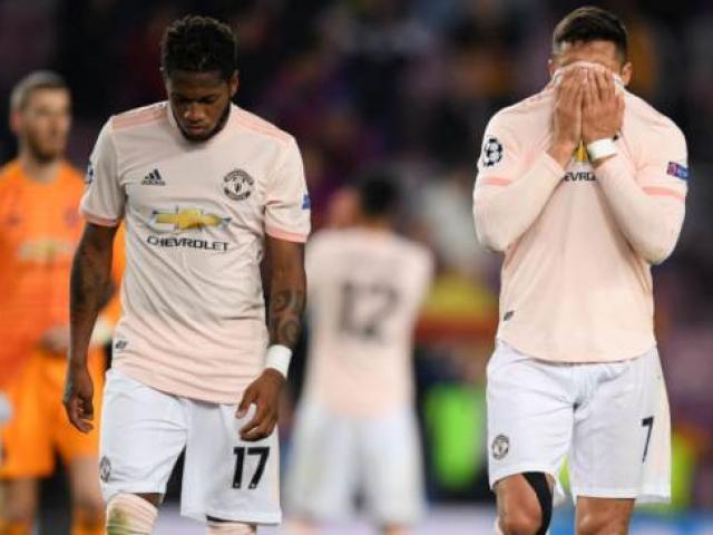 """MU tống khứ 2 """"người thừa"""": Tuần này sang Serie A đấu Ronaldo"""