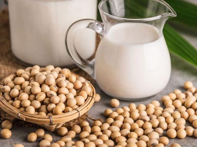 Uống sữa đậu nành theo cách này dễ thành... thuốc độc