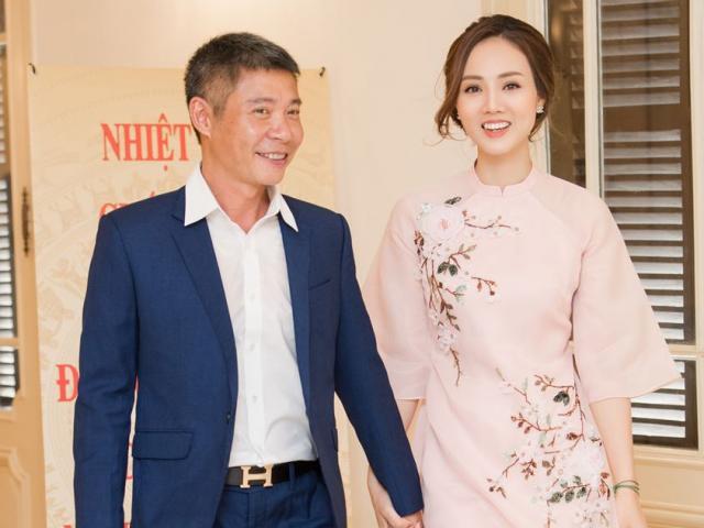 Phản ứng của MC Thảo Vân và bạn gái khi Công Lý được trao danh hiệu NSND
