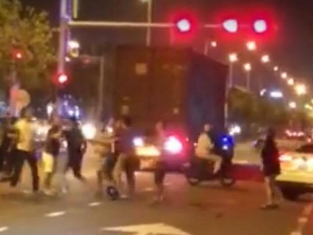 """Truy tìm nhóm thanh niên Đà Nẵng hỗn chiến giữa đêm vì... """"không thuận mắt"""""""