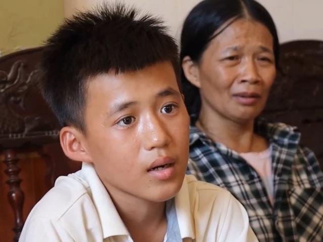 Ngư dân 16 tuổi kể chuyện ăn bèo, bơi 25 giờ trên biển