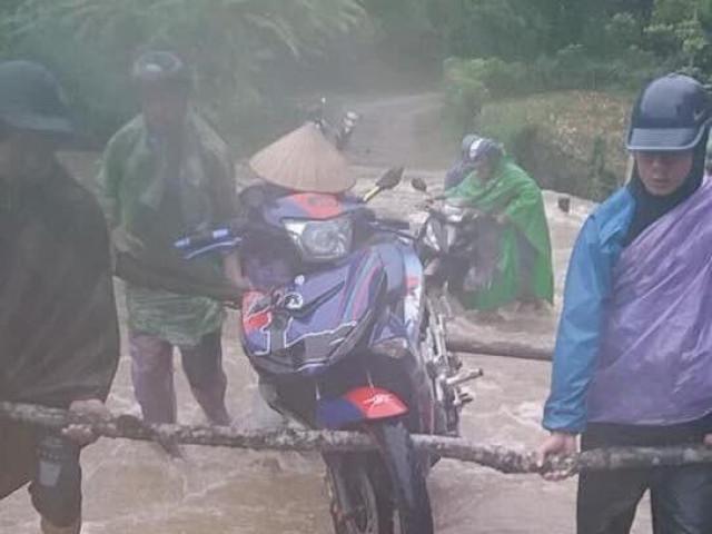 Giông lốc chưa từng thấy ở Lạng Sơn, ngập lụt nghiêm trọng nhiều nơi