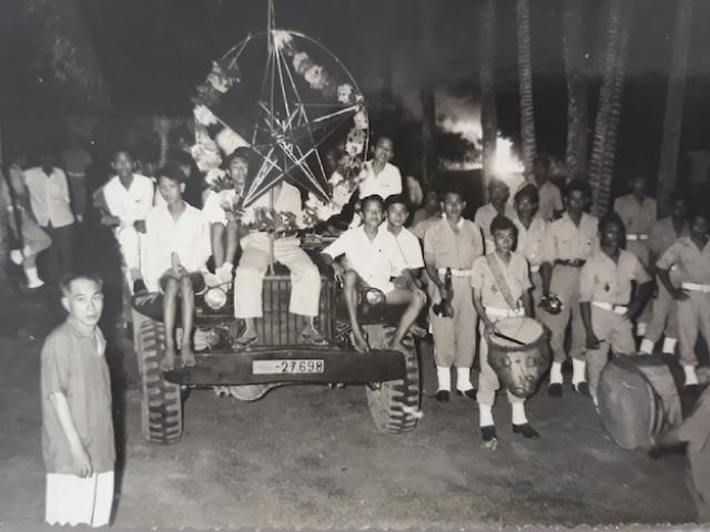 Những bức ảnh trắng đen hiếm có khó tìm về Tết Trung thu 64 năm trước