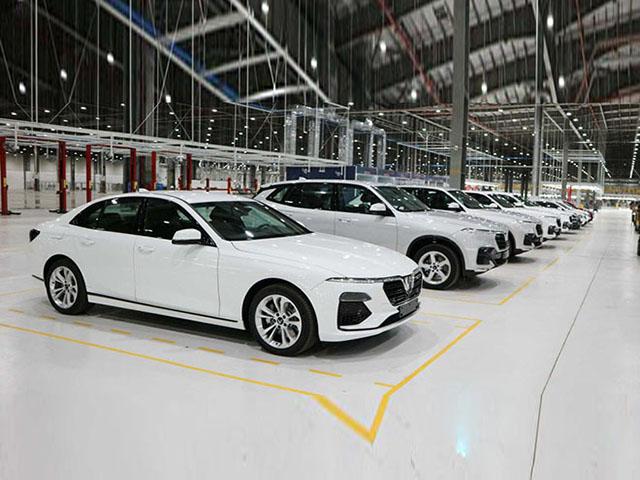 Vinfast thay đổi chính sách bán xe ô tô LUX và Fadil