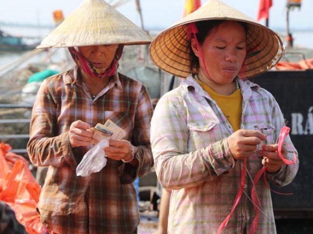 """Trúng đậm """"lộc trời"""", ngư dân Hà Tĩnh thu trên 30 triệu mỗi ngày"""