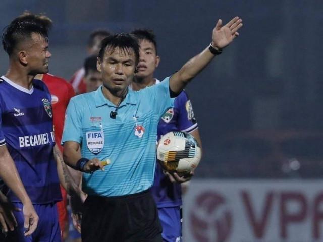 """Trọng tài """"bẻ còi"""" ở V-League sẽ bị xử phạt thế nào?"""