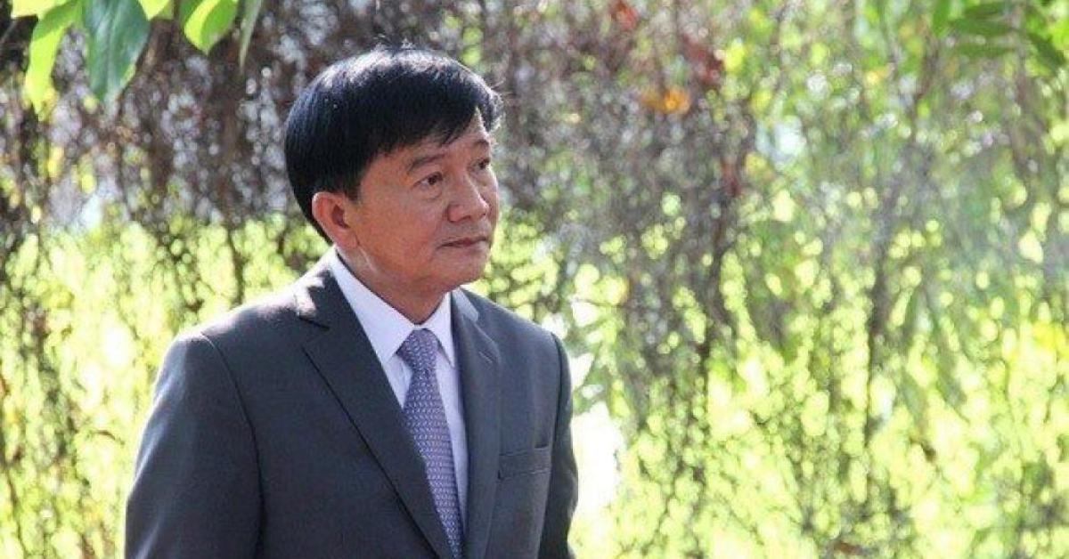 Sau kỷ luật và xin thôi chức, Chủ tịch Quảng Ngãi nghỉ hưu trước tuổi