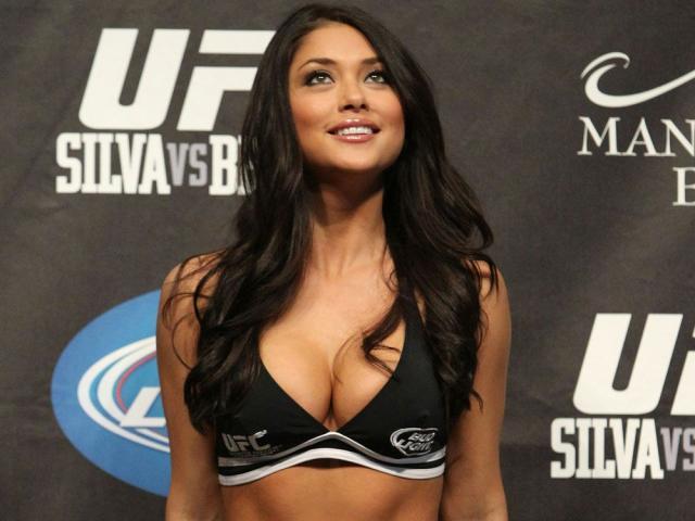 """Nữ hoàng đẹp nhất UFC bao người say đắm: Săn trai đẹp """"yêu 6, loại 5"""""""