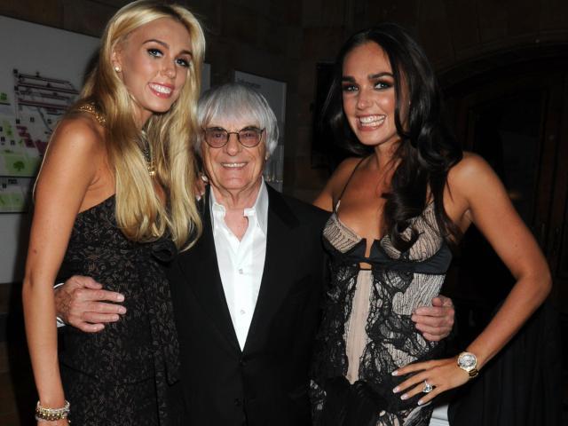 """""""Bố già"""" F1 có 3,2 tỷ đô lấy vợ kém 45 tuổi: 89 tuổi vẫn sinh quý tử"""