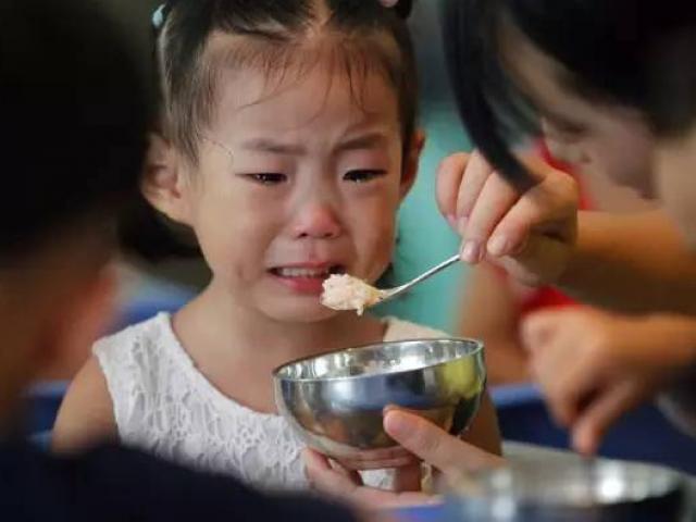Nhà giáo dục Đài Loan chỉ ra 4 hành vi cha mẹ cần phải loại bỏ khi dạy con cái