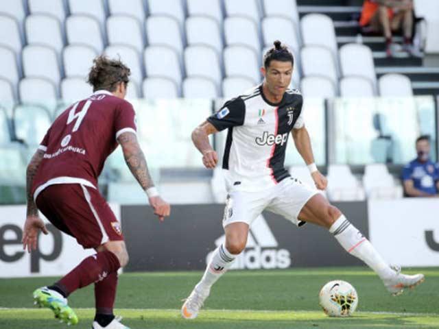 Video highlight trận Juventus - Torino: Ronaldo sút phạt thần sầu, đại thắng derby