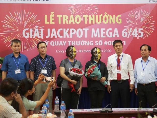 Jackpot hơn 91 tỷ đồng: Trở thành nữ tỷ phú khi trên đường về thăm nhà