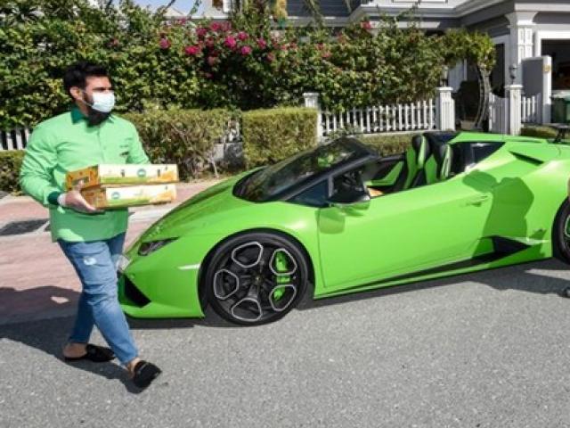 Mua bán vàng như rau xưa rồi, dân chơi Dubai dùng siêu xe làm điều không ngờ