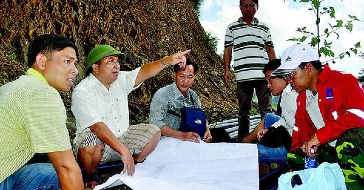 Ông Bríu Liếc – Bí thư huyện đi bộ nhiều nhất Việt Nam xin nghỉ hưu trước 5 tuổi