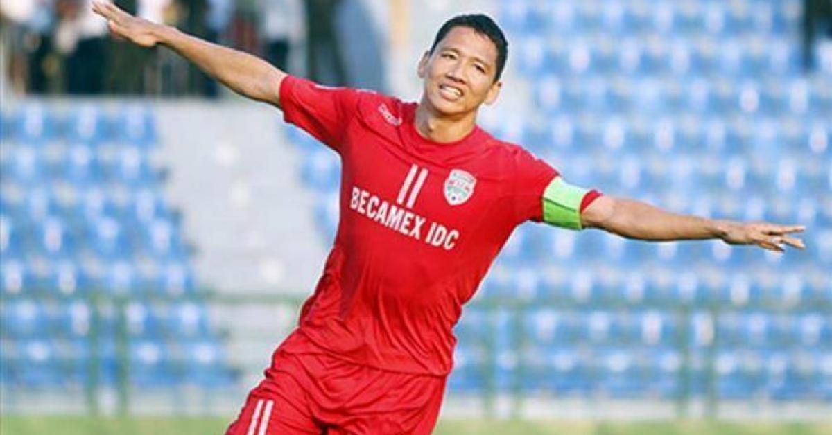 """Nước cờ """"độc"""" của bầu Đức và tiếng chuông cảnh báo cho bóng đá Việt Nam"""
