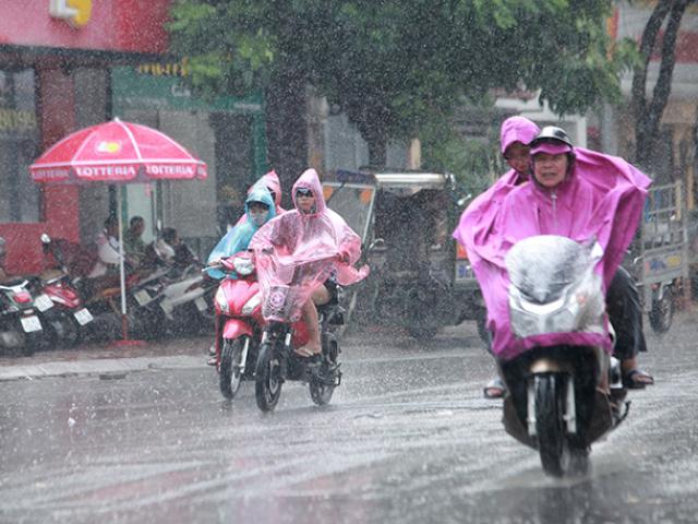 Miền Bắc có mưa dông diện rộng sau nhiều ngày nắng nóng kinh hoàng