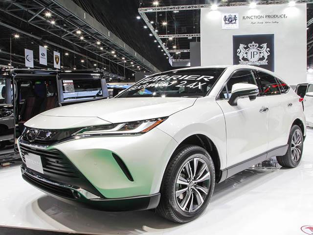 Toyota Harrier 2021 ra mắt, giá từ 1,83 tỷ đồng, đối thủ Honda CR-V và Mazda CX-5