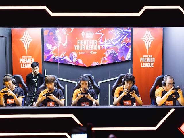 Cả 2 đại diện của Việt Nam đều sớm dừng bước ở giải game APL 2020
