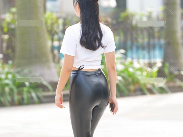 Những chiếc quần legging tưởng kín đáo mà hóa vô duyên trên phố châu Á