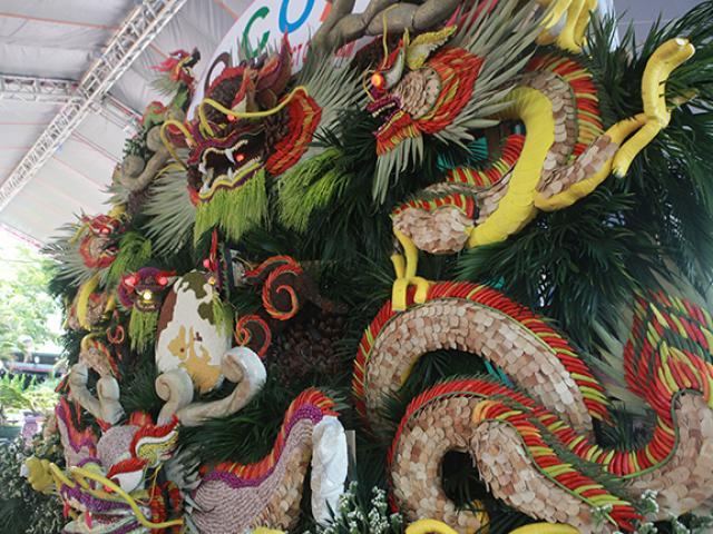 Ngây ngất với tác phẩm làm từ hàng chục loại hoa quả có giá gần nửa tỷ đồng ở Hà Nội