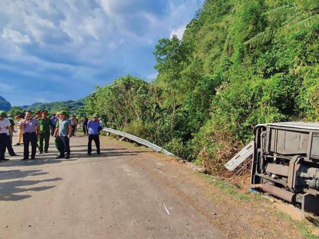 TNGT 15 người chết ở Quảng Bình: Niềm vui ngày họp lớp bỗng hóa đại tang