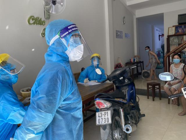Lộ trình di chuyển dày đặc của 11 bệnh nhân nhiễm COVID-19 tại Đà Nẵng