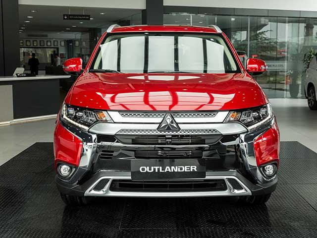 Giá lăn bánh Mitsubishi Outlander CKD vừa ra mắt và các phiên bản khác