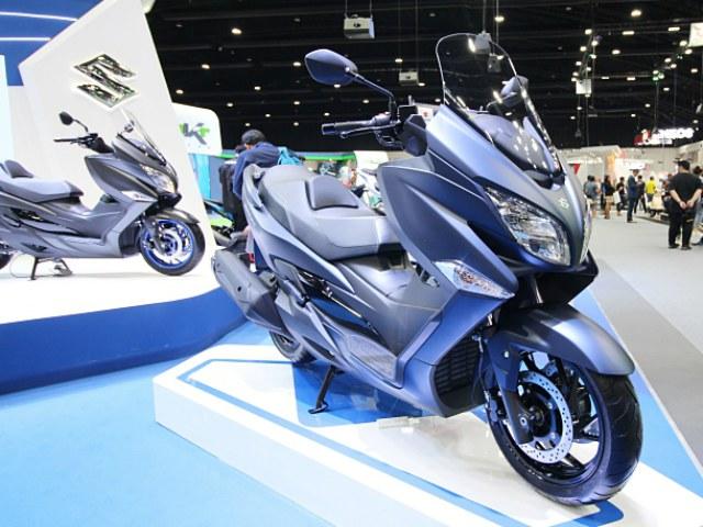 Soi 2020 Suzuki Burgman 400, đối thủ mạnh của Honda Forza 350