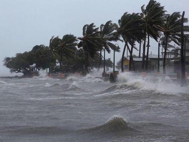 Một áp thấp nhiệt đới mới xuất hiện khiến bão số 2 di chuyển khó lường