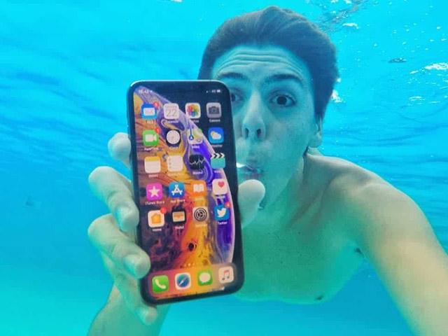 iPhone XS Max bị tố không có khả năng chống nước