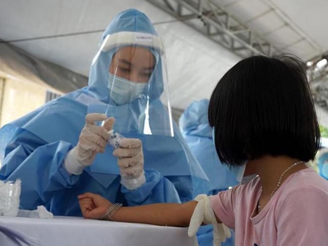Tốc độ lây nhiễm COVID-19 cao gấp 2-3 lần so với trước, Bộ Y tế ra công điện khẩn
