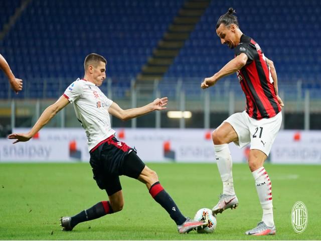 """Video highlight trận AC Milan - Cagliari: Ibrahimovic """"nổ súng"""", chiến thắng 3 SAO"""