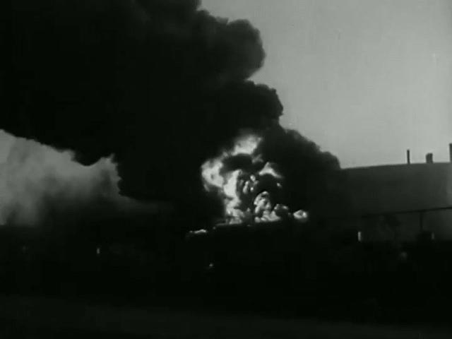 Vụ nổ như bom nguyên tử khiến 500 người Mỹ thiệt mạng, 2 máy bay bị thổi bạt xuống đất