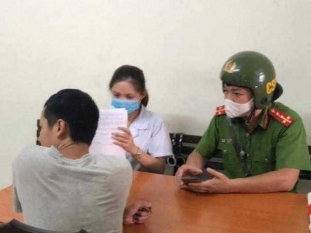Hàng loạt người dân Thủ đô về phường nộp phạt vì lỗi không đeo khẩu trang