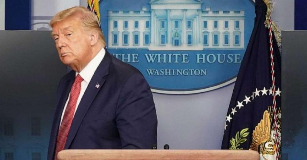 Nổ lớn ngoài Nhà Trắng, ông Trump được đưa khỏi phòng họp báo