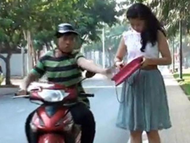 Bắt 2 đối tượng chuyên cướp giật túi xách phụ nữ