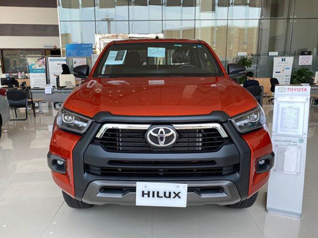 Đại lý nhận đặt cọc Toyota Hilux 2021, giá bán dự kiến không thay đổi