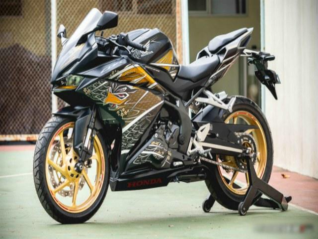 Cận cảnh 2020 Honda CBR250RR bản võ sĩ đạo Samurai mới ra lò