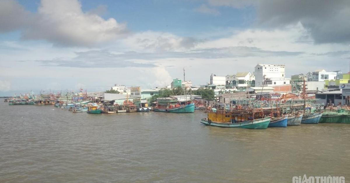 Tin mới vụ 6 người ở Cà Mau từ Malaysia về bằng đường biển trốn cách ly