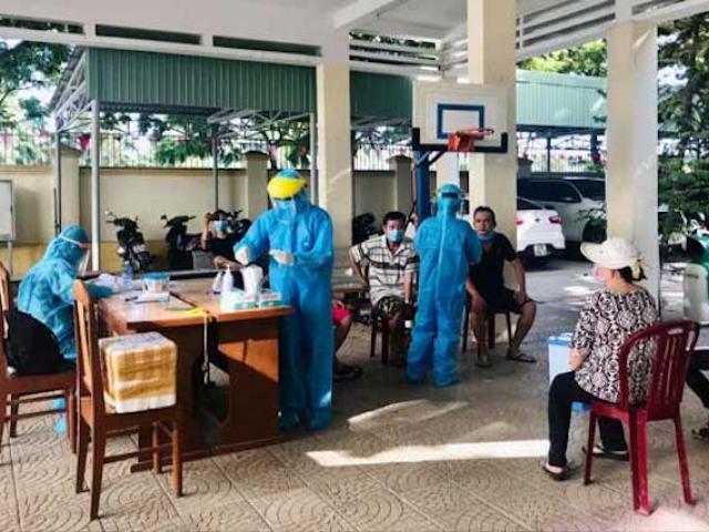 TP.HCM hoàn tất lấy mẫu 51.217 người khai báo về từ Đà Nẵng