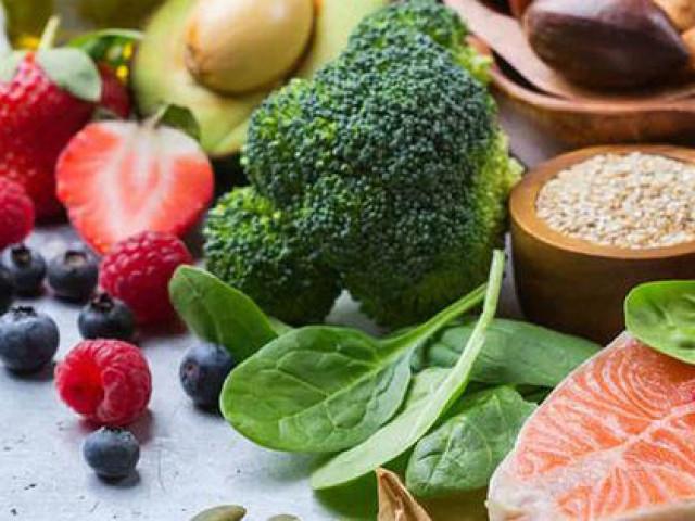 4 loại thực phẩm cực tốt cho sức khỏe nhưng bạn tuyệt đối không được ăn nhiều