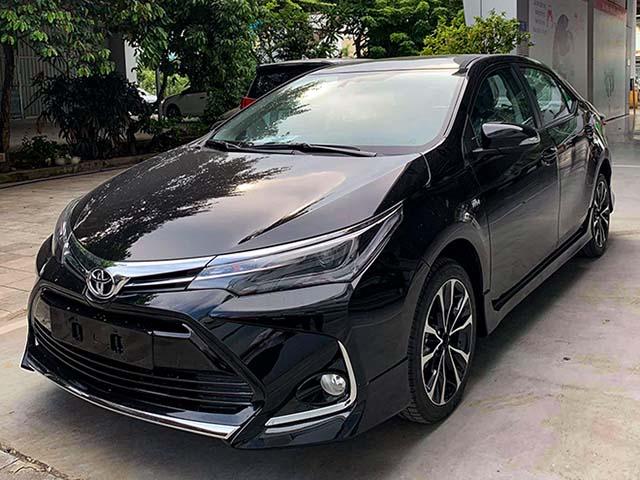 Cận cảnh Toyota Corolla Altis thế hệ mới tại Việt Nam