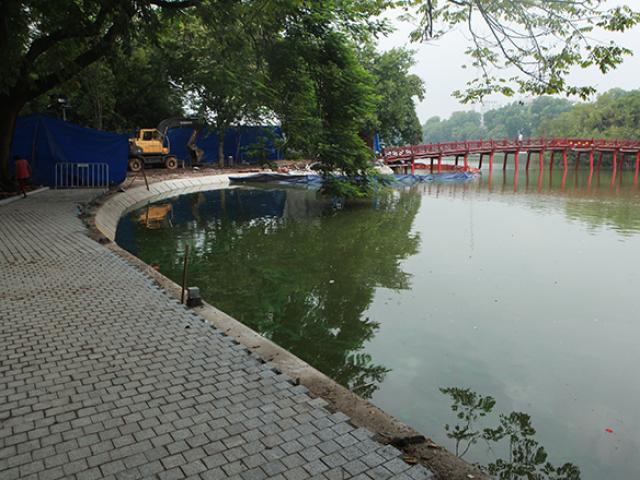 Diện mạo mới của vỉa hè Hồ Gươm sau hơn 2 tháng thi công