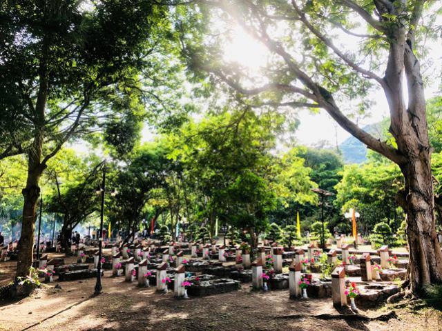 """Trải nghiệm du lịch tâm linh đặc biệt, """"độc nhất"""" ở Côn Đảo - Đến nghĩa trang lúc nửa đêm"""