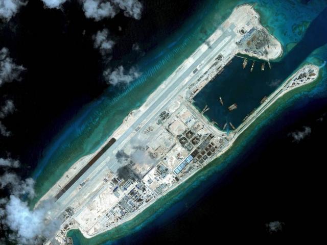 Hàng loạt công ty TQ bị Mỹ trừng phạt vì tham gia xây đảo nhân tạo trái phép ở Biển Đông