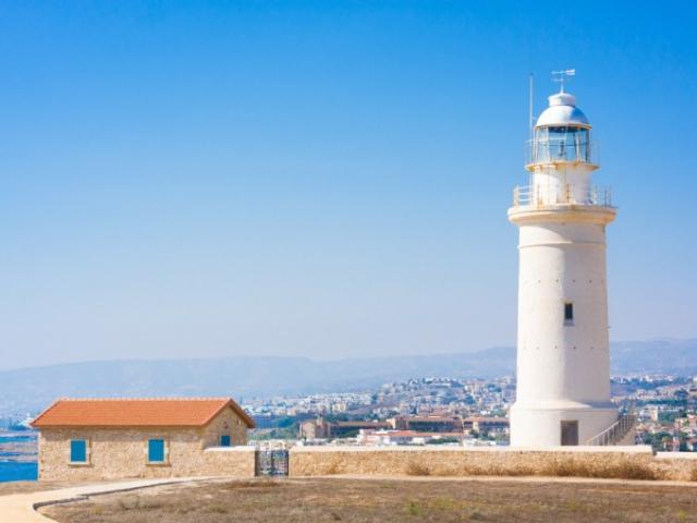 Đảo Síp có gì hấp dẫn mà dân tình ùn ùn kéo tới?