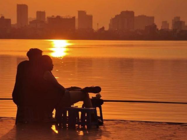 """Gác lại âu lo và cùng ngắm hoàng hôn tại những địa điểm cực """"chill"""" tại Hà Nội"""