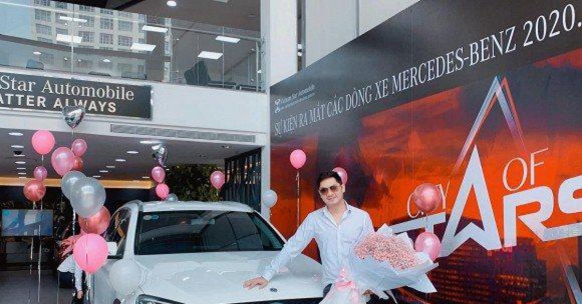 Bóc giá xế hộp Mercedes-Benz diễn viên Minh Luân vừa nhận đúng dịch Covid-19